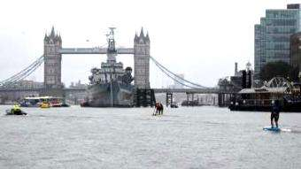 TotalSUP: The London Crossing - racing in rain through the centre of London!!
