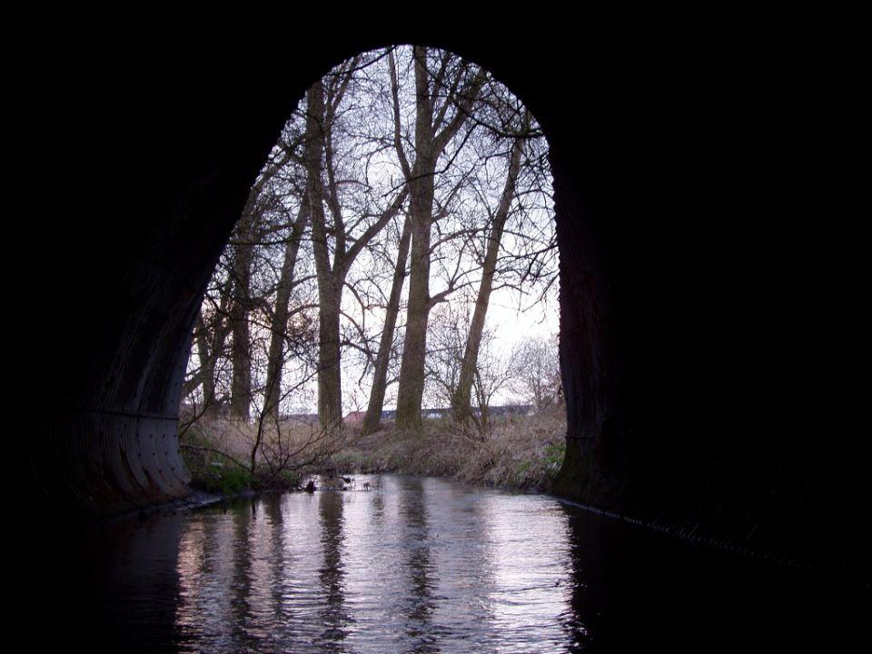 Kněžmostka highway tunnel. https://www.horydoly.cz/vodaci/znasilnena-knezmostka.html